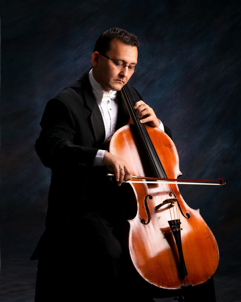 Ildar Khuziakhmetov playing his cello