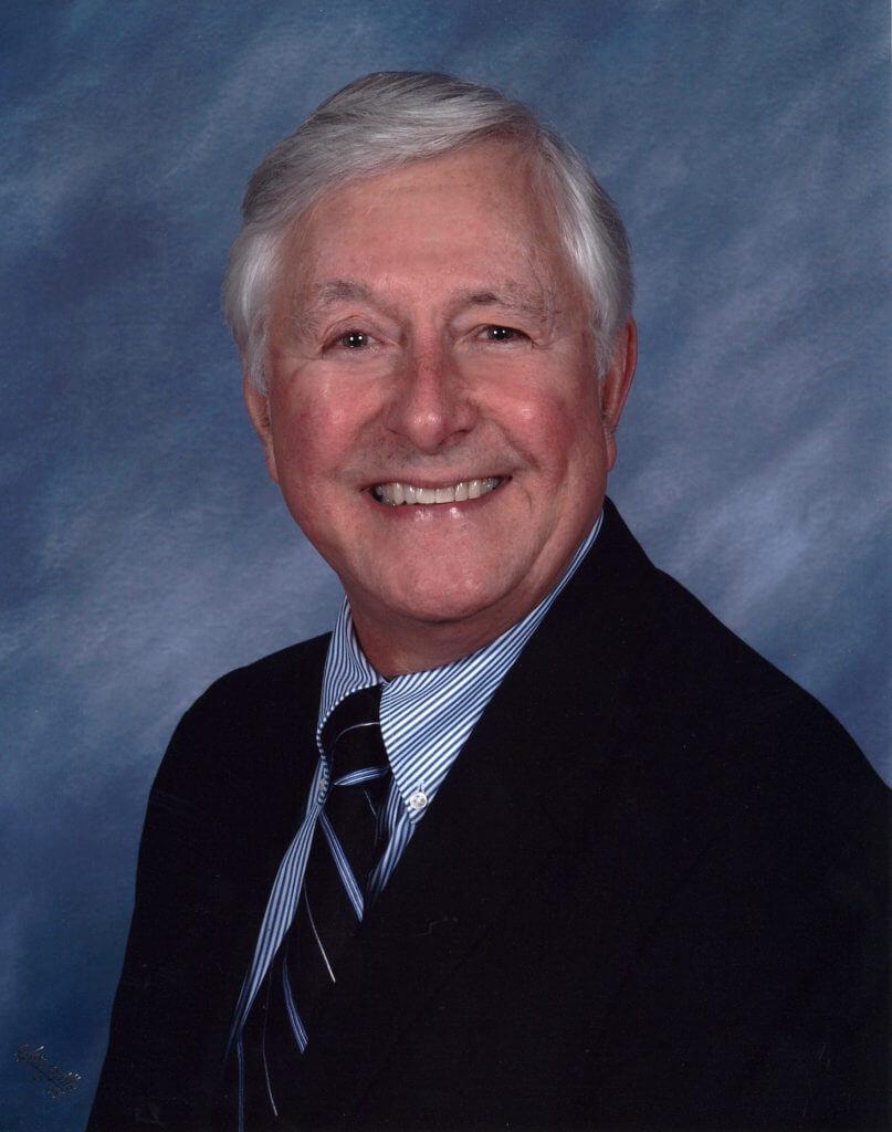 Headshot of Michael Combs